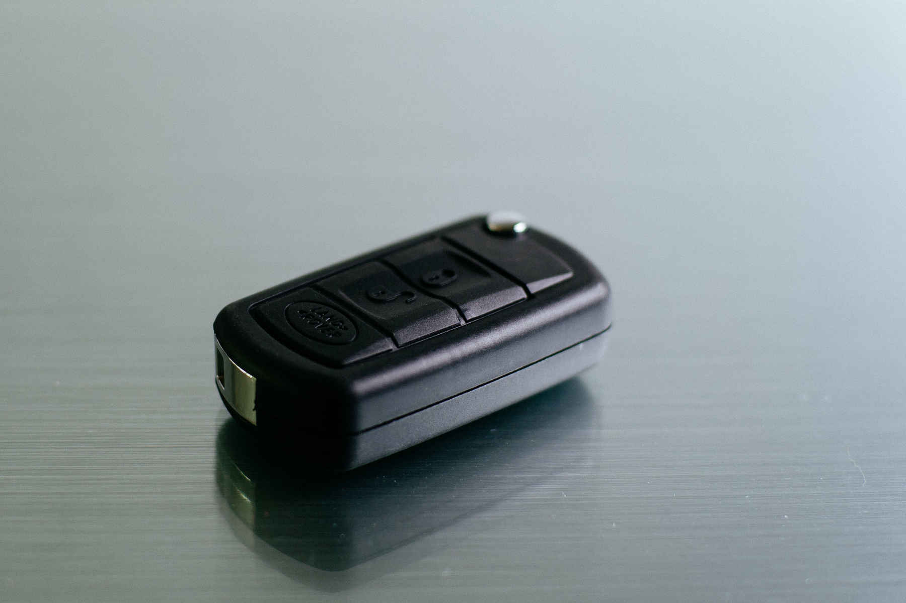 Ein Autoschlüssel im Detail